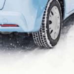 スタッドレスタイヤの交換時期と長持ちさせる保管方法、寿命年数は?